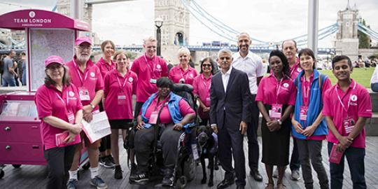 Mayor of London Sadiq Khan with Team London volunteers